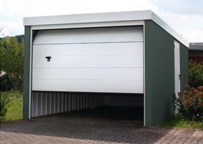 plechova rovna strecha garaze